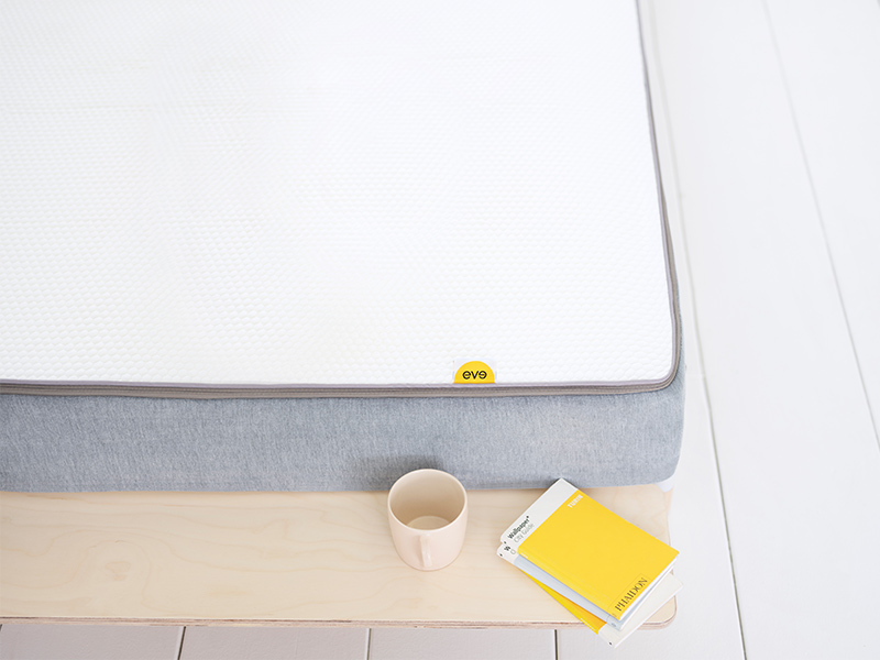 eve hybrid mattress surface